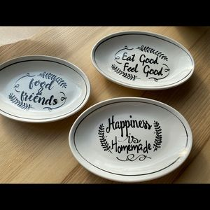 Festive Snack plates (10$ each)- new condition